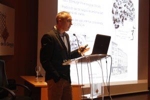 Alfredo Marcos durante la charla 'El fraude en la Ciencia. Un toque de autocrítica'