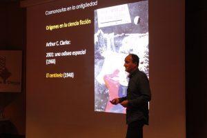César Esteban López durante su charla en el ciclo 'Increíble... pero falso'