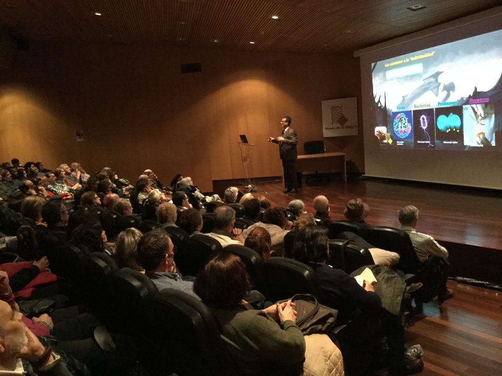 Alfredo Corell en el Auditorio del Museo de la Ciencia